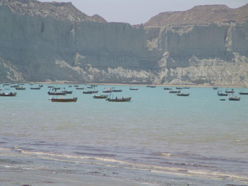 Fishing vessels along Gwadar bay (Courtesy: Wikimedia)