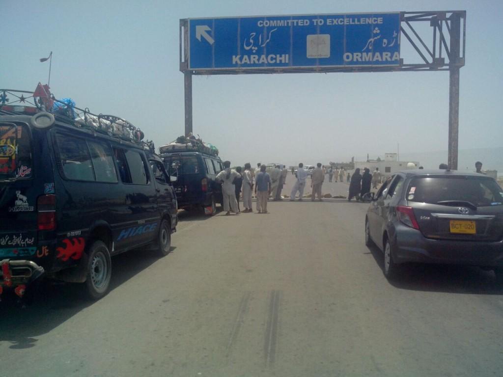 Karachi-Gwadar Coastal Highway blocked at Ormara