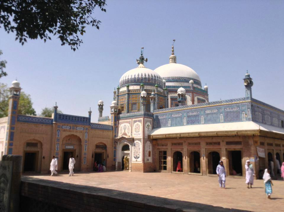 A view of Khawaja Ghulam Farids shrine